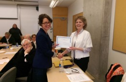 Kate Rancourt receiving the APNS Brian Dufton Memorial Prize for Outstanding Graduate Achievement in Psychology